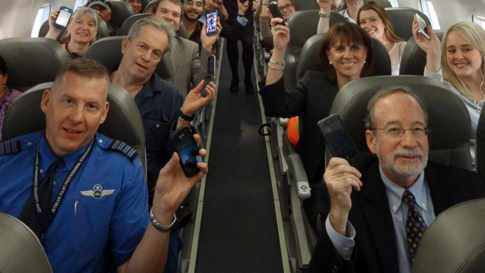 jetBlue & Delta get approval from FAA to Allow Electronic Devices Below 10,000 Feet