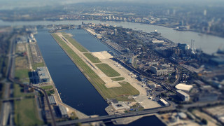 Calls for London City Airport to close
